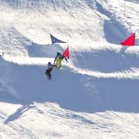 Pas på skiene