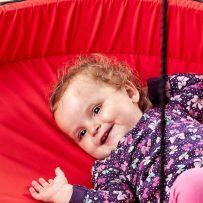 Sjov for de helt mindste med en babygynge